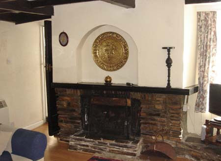 Delabole holiday cottage with log fire
