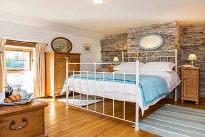 Accommodation with 2 Bedrooms