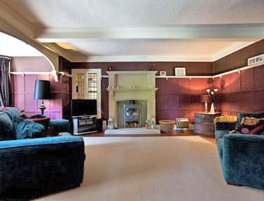 Thornbridge Manor self catering for 14-27