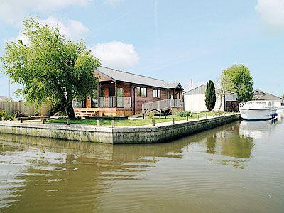 View | Riverside Lodges - River Retreat, Brundall