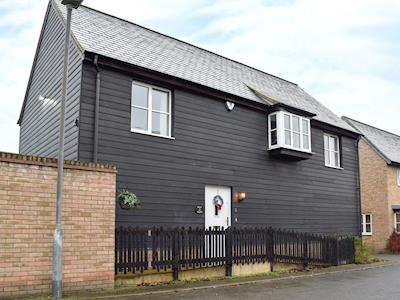 Well furnished, detached mews holiday apartment | Boat House, Great Cambourne