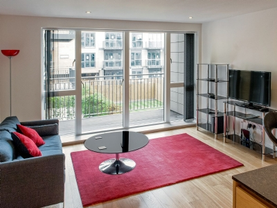 Open plan living/dining room/kitchen | Camstay Riverside, Cambridge