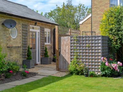 Charming accommodation | Grapevine Studio, Waterbeach, near Cambridge