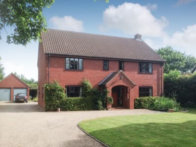 Comfortable, detached holiday home | Sycamore House, Deopham Green, near Attleborough