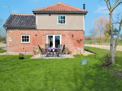 Exterior | Honeypot Cottage, Metfield, nr. Harleston