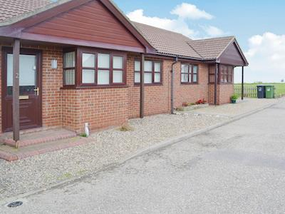 Single storey detached cottage on a private estate | Ocean View , Walcott, near Happisburgh