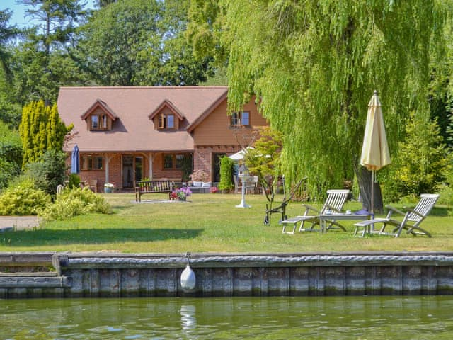 Prestigious detached, riverside holiday property | Riversdale Cottage, Irstead, near Wroxham