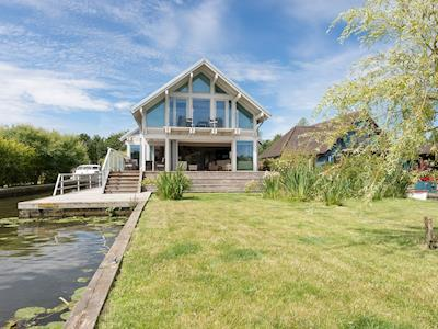 Lawned front garden | Silver Dawn, Horning, near Wroxham