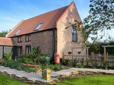 Fantastic holiday home | The Hayloft - Meadow Farm Holiday Barns, Hickling