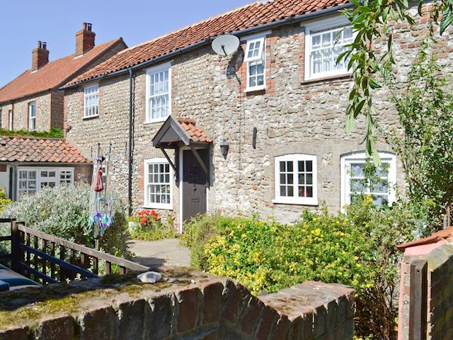 Appealing stone-built cottage | Pitts Cottage, Brancaster