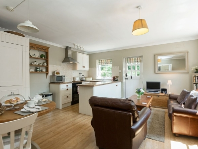 Open plan living/dining room/kitchen | The Coach House, Tattingstone