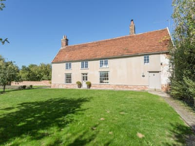 Wonderful detached Suffolk holiday home | The Farmhouse - Retreat East, Hemingstone, near Ipswich
