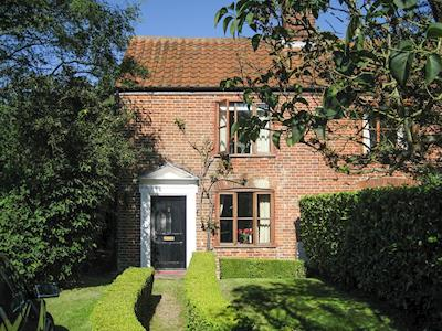 Delightful, 18th century, Grade II listed semi-detached cottage | Pond Cottage, Somerleyton, near Lowestoft