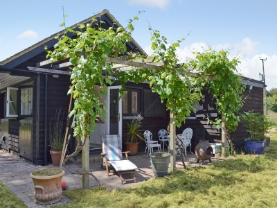 Exterior | Grove Wood Cottage, Burnham-on-Crouch