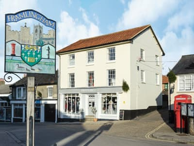 Delightful, first floor apartment in a Victorian building | House on the Hill, Framlingham