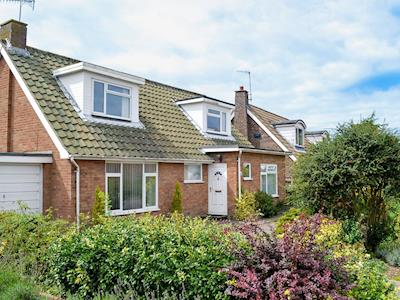 Delightful holiday home | Sea Glimpse, West Runton, near Sheringham