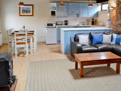 Open plan living/dining room/kitchen | Trailor Cottage, Weybourne