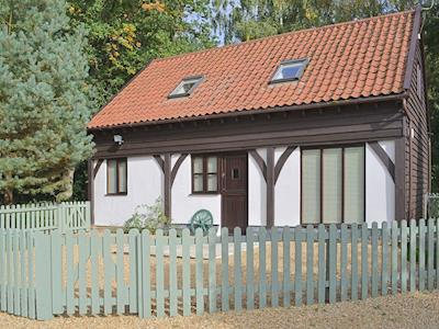 Attractive modern holiday retreat | Forest Cottage, Northwold