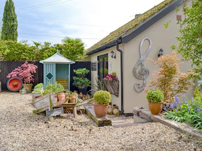 Charming studio holiday home | Quaver's Rest - Treble Clef, Rushford, near Thetford