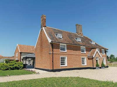 Luxurious Grade II listed farmhouse | Valley Farmhouse, Wickham Market, near Woodbridge