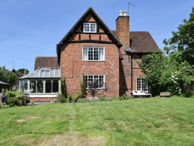 Superb oversized family farmhouse | Alcester Farmhouse, Coughton, near Alcester