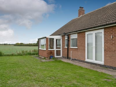 Detached, single storey property, offers lovely views of the surrounding fields | Acres View, Caythorpe, near Nottingham