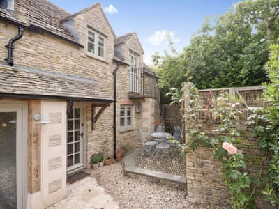 Exterior | Apple Tree Cottage, Southrop, near Lechlade