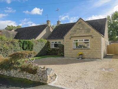 Beautiful detached bungalow | Letch Hill Cottage, Bourton-on-the-Water
