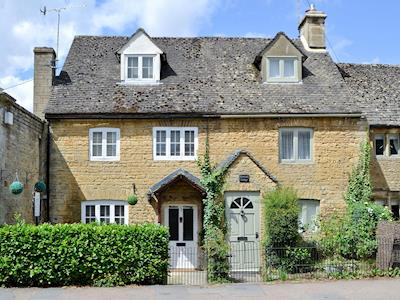 Property is on the Left | Station Cottage, Bourton-on-the-Water, near Cheltenham