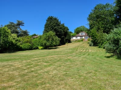 Fantastic accommodation set in a landscaped plot of approximately 0.87 acres | Turpins Ride, Chalfont St Giles, near Amersham