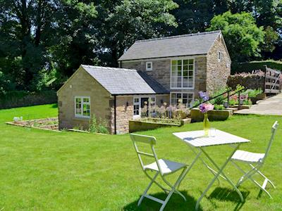 Detached, tranquil holiday home | Barlow Brook Cottage, Barlow, near Chesterfield