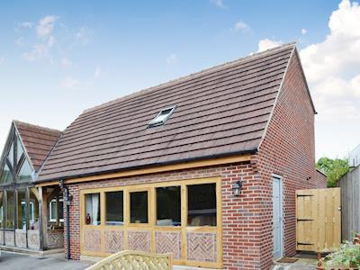 Exterior | Woodview Lodge, Cutthorpe, near Chesterfield