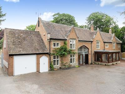 Lovely semi-detached holiday property | The Tythe Barn - The Tythe Barn Properties, Inkberrow