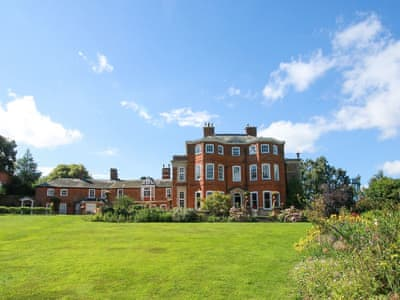 Grade II listed building in a splendid location in the rolling, historic Lincolnshire Wolds | Raithby Hall, Raithby, near Horncastle