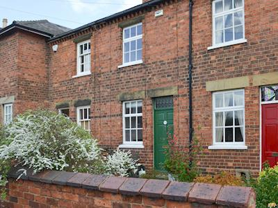 Lovely terraced holiday cottage | Windmill Cottage, Lincoln