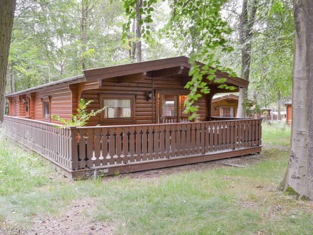 Attractive holiday lodge | Larch Lodge, Kenwick, near Louth