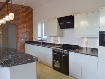 Well equipped kitchen | The Cartshed, Slindon, near Eccleshall