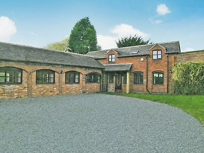 Exterior | The Old Stables, Standon