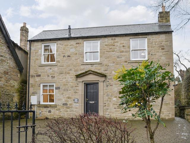 Attractive stone-built holiday home | Copper Beech Cottage, Alnwick