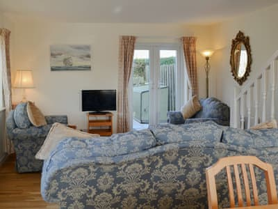 Comfortable open plan living space | Beadlin Cottage, Beadnell