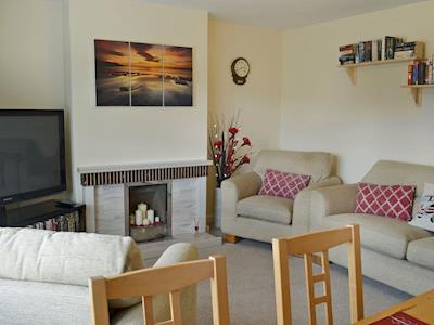 Homely living/dining room | Little Tern, Beadnell, near Seahouses