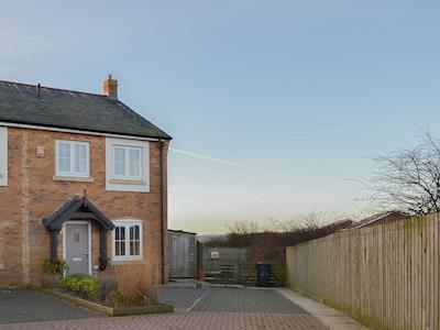 Charming end of terrace property in a secluded cul-de-sac | Puffin Place, Beadnell, near Seahouses