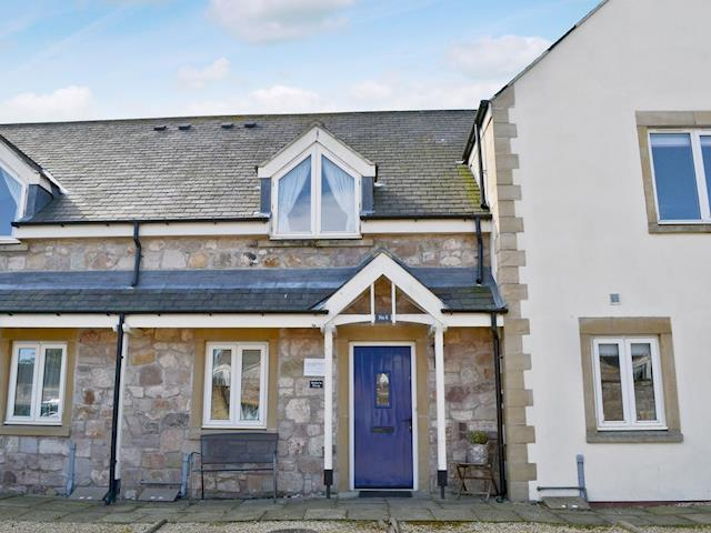 Attractive, stone-built, terraced cottage | Sailors Snug, Beadnell, near Alnwick