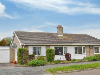 Charming semi-detached bungalow | Summerhouse Cottage, Beadnell, near Seahouses