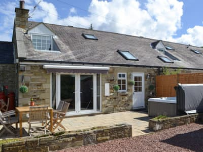 Cosy cottage with private hot tub | The Stables, West Woodburn, near Bellingham