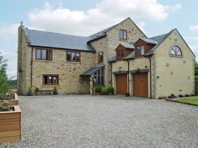 Large, detached property | Applegarth House, Howlish, near Bishop Auckland