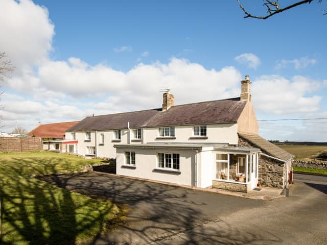 Lovely end of row holiday home with private parking area | Dunstanburgh View - Proctors Stead Cottages, Dunstan, near Craster