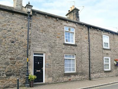 Delightful holiday home | Cosy Stone Cottage, Corbridge, near Hexham