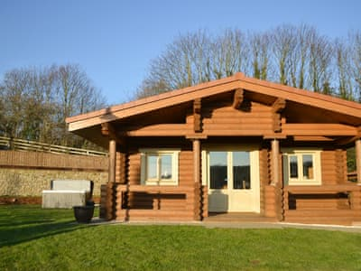 Charming holiday lodge with hot tub | Vindomora County Lodges - Vindolanda Lodge - Vindomora County Lodges , Ebchester, near Consett
