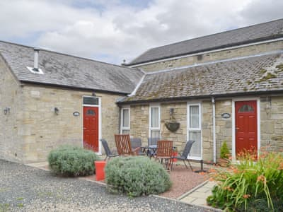 Cosy holiday home | Rose Cottage - Railway Cottages, Acklington, near Amble